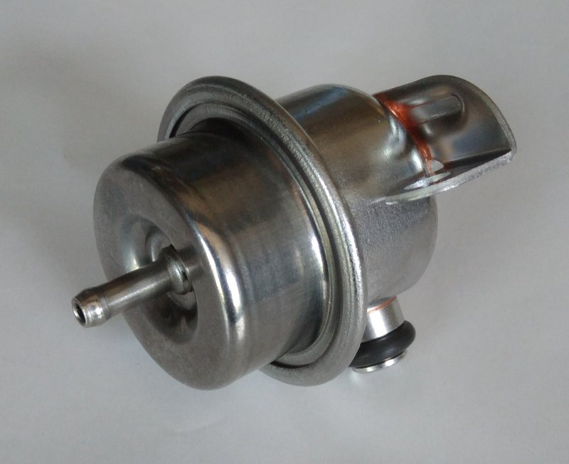 Régulateur pression d'essence 3 bar 205 GTI - 309 GTI
